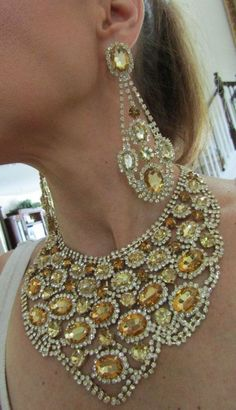 HUGE RHINESTONE BIB NECKLACE LONG CHANDELIER EARRINGS VERY GLAMOROUS SET
