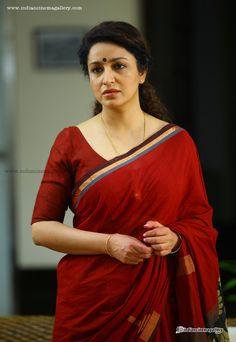 Tisca-Chopra-in-Nirnayakam-movie-(10)