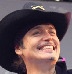Adam Ant - oh how I'd love to wake up next to this smile everyday!!!