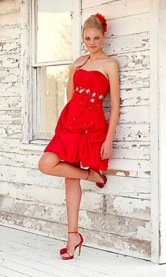 love the shoes too! Dresses Short, Dresses 2013, Types Of Dresses, Dresses Dresses, Red Satin Dress, Satin Dresses, Strapless Dress, Gowns, Pretty Dresses