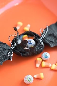 Kids will go batty for these Halloween treats. Fill with candy, fake spiders, a small stack of cookies – or whatever spooky smalls you can find. Coincidentally, October is Bat Appreciation Month. Halloween Class Party, Halloween Kids, Halloween Treats, Halloween Decorations, Fake Spider, Paper Bat, Childrens Fancy Dress, Spooky Costumes, Glue Crafts