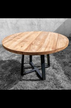 Modern Room Decor, Home Decor, Round Wood Table, Kitchen Redo, Sweet Home, Dining Table, Interior Design, Montevideo, Renaissance