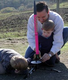 darwin awards - Google Search Darwin Awards, Human Behavior, Funny Pins, Outdoor Power Equipment, Evolution, How To Plan, Fails, Daddy, Safety