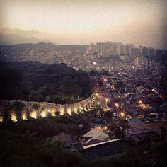 낙산공원 Park in Seoul, South Korea. This place is popular with Students