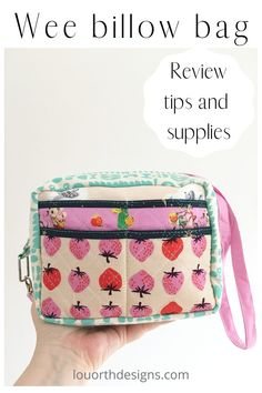 Sample makes, review, tips and supplies for the Wee Billow Bag. All about this fun bag pattern. Makes by Lou Orth #bag #pouches #sewing Modern Sewing Projects, Pouch, Wallet, Love Sewing, Sewing Tutorials, Dressmaking, Coin Purse, Lunch Box, Craft