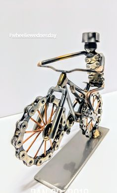Metal Art Projects, Welding Projects, Metal Crafts, Bicycle Decor, Bicycle Art, Diy Crafts For Tweens, Recycled Bike Parts, Bike Craft, Metalarte