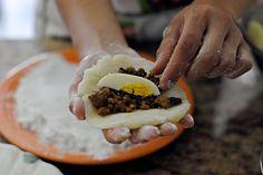 Peruvian Stuffed Potato recipe tutorial. Step by step. Papa Rellena Peruana