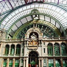 Estação Ferroviária Central em Antuérpia, Bélgica