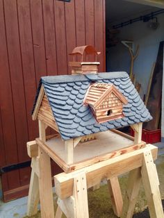 Birdhouse with copper Napoleon head