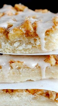 Apple Shortbread Bars ❊