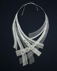KristinaPalickovana / Náhrdelník strieborný Lace Necklace, Lace Jewelry, Textile Jewelry, Fabric Jewelry, Jewelry Crafts, Jewelry Art, Handmade Jewelry, Romanian Lace, Bobbin Lacemaking