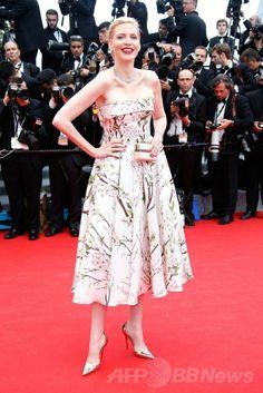 第67回カンヌ国際映画祭(Cannes Film Festival)のオープニングレッドカーペットに登場したドイツ人モデルのナジャ・アウアマン(Nadja Auermann、2014年5月14日撮影)。(c)AFP/VALERY HACHE ▼16May2014AFP|【写真特集】第67回カンヌ国際映画祭 http://www.afpbb.com/articles/-/3014951 #Cannes_Film_Festival #Nadja_Auermann