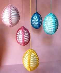 Crochet - Eggs Decorating with Romanian Lace Cord Crochet Stitches Patterns, Stitch Patterns, Yarn Crafts, Diy Crafts, Romanian Lace, Crochet Cord, Crochet Christmas Ornaments, Point Lace, Easter Crochet