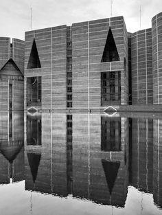 louis i kahn [national assembly building of bangladesh, dhaka].