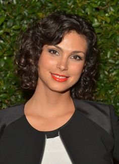 Morena Baccarin Hair Don't know who this pretty girl is but I love this hairstyle!
