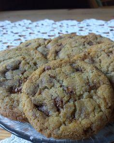 Herkkuja leipomassa: Manteliset Daim-keksit/ Almond-Daim Cookies Banana Bread, Almond, Goodies, Chocolate, Baking, Desserts, Food, Sweet Like Candy, Treats