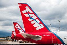 TAM Airbus A320-233 @ BSB