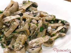 salata de ciuperci 1 Healthy Salad Recipes, Vegan Recipes, Cooking Recipes, Vegan Food, Cold Vegetable Salads, Hungarian Recipes, Romanian Recipes, Romanian Food, Food Obsession