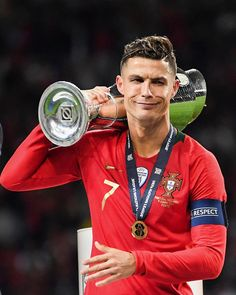 cristiano ronaldo's reaction on winning uefa nations league Cristiano Ronaldo Portugal, Cristiano Ronaldo Cr7, Cristiano Ronaldo Celebration, Cristino Ronaldo, Cristiano Ronaldo Wallpapers, Ronaldo Football, Sports Football, Best Football Players, Gareth Bale