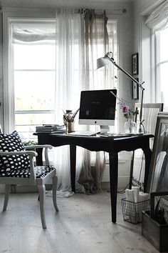 My kind of study. Office Spaces, Home Office, Office Desk, Work Inspiration, Boss Lady, Homework, Offices, Beautiful Homes, Decorating Ideas