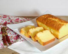 Il y avait longtemps, trop longtemps que je ne vous avais pas proposé un gâteau au citron. Et pourtant, j'aime, j'aime trop ça. Celui-là est, contrairement à d'autres que j'ai pu faire auparavant tout doux. Sa texture est très moelleuse et son goût a...