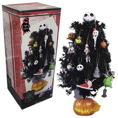 Nightmare Before Christmas Tree Halloween Town Diorama - NECA ...