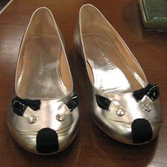 Marc Jacobs cat flats