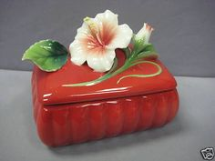 FRANZ PORCELAIN ISLAND BEAUTY HIBISCUS RED BOX #1626