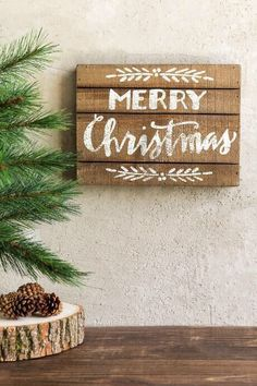 This Christmas Sign would look good by the front door! Rustic Merry Christmas Sign, Christmas Wall Decor, rustic Christmas decor, Christmas wall art, Christmas decorations #ad