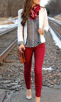 Take a look at stylish work outfits with red pants in the photos below… Mode Outfits, Fall Outfits, Casual Outfits, Fashion Outfits, Womens Fashion, Blazer Fashion, Casual Chic, Casual Wear, Business Outfit