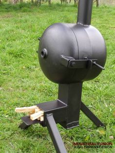 rocket stove and grill Metal Projects, Welding Projects, Rocket Stove Design, Rocket Power, Stove Oven, Rocket Stoves, Log Burner, Outdoor Cooking, Blacksmithing