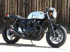 "Racing Cafè: Honda CB 1100 ""Hakofugu Cafè"" by White House Japan Motorcycle Types, Motorcycle Bike, Cool Motorcycles, Vintage Motorcycles, Cb Cafe Racer, Honda Cb1100, Motos Honda, Moto Car, Cb550"