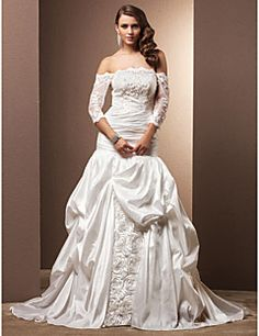 Fit and Flare Off-the-shoulder Chapel Train Taffeta Wedding Dress. Grab unbeatable discounts up to 70% Off at Light in the box using Coupons.