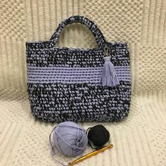 Суперсумочка в цвете антрацит и лаванда - работа по моему МК от @mila1366lion МК на эту сумочку универсальный, а мои клиентки такие креативные, что каждый раз поражают меня красотой своих работ и индивидуальным подходом.