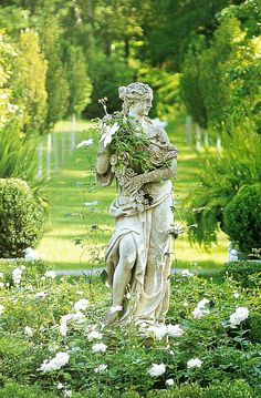 Inspiring fairytale garden ideas can be found in this article. Before that, we want to show you a few useful tips when it comes to arranging a beautiful garden. A garden is supposed to… Continue Reading → Fairytale Garden, Dream Garden, Garden Bed, Formal Gardens, Outdoor Gardens, The Secret Garden, Secret Gardens, Purple Home, White Gardens