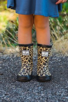 Sparkle In Pink Premium Exclusive Boots - Cheetah Rainy Weather, Rainy Days, Spandex Pants, Sweet Style, Baby Style, Girl Style, Distressed Denim Jeans, Toddler Fashion, Cheetah Print