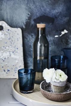 Layer subtle tones of deep cobalt, navy and sapphire and highlight with a flash of brilliant white.