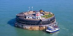 £449 -- Solent Island Fort Stay with Meals, Was £950 | Travelzoo