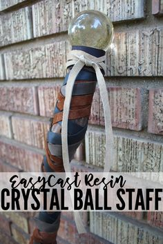Crystal Orb Scepter Costume Prop DIY Halloween is my favorite holiday, but mostly I love the costumes. Diy Resin Projects, Diy Resin Crafts, Cool Diy Projects, Kid Crafts, How To Make Crystals, Diy Crystals, Black Crystals, Warlock Costume, Dyi