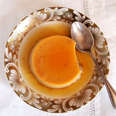 Eine schöne Variante der Crème Caramel. Man sollte einen wirklich guten und starken Espresso dafür …