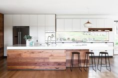 8 Relaxing Tips AND Tricks: Old Kitchen Remodel Tips affordable kitchen remodel projects.Kitchen Remodel Lighting Interior Design kitchen remodel home.Kitchen Remodel With Island Back Splashes. Home Decor Kitchen, Kitchen Living, Kitchen Interior, New Kitchen, Home Kitchens, Custom Kitchens, Timber Kitchen, Stylish Kitchen, Cheap Kitchen
