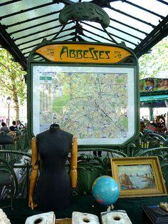 Metro Abbesses - Brocante Places des Abbesses_35