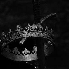 The Fallen King (CSB & CSS Demo) by Cloud E Sky Productions Hades Aesthetic, Crown Aesthetic, Queen Aesthetic, Slytherin Aesthetic, Book Aesthetic, Character Aesthetic, Foto Fantasy, Dark Fantasy, Arte Obscura