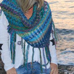 shawl #shawls #knitwear #handmade Plexus Products, Shawls, Knitwear, Instagram Posts, Handmade, Fashion, Moda, Tricot, Fashion Styles