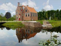 Huis te Wedde is ook bekend als de Addinggaborg. Het is een oorspronkelijk 14e-eeuws omgrachte borg, bestaande uit twee ongelijke beuken met aan de westzijde een achtkante traptoren. Nu in gebruik als B&B.