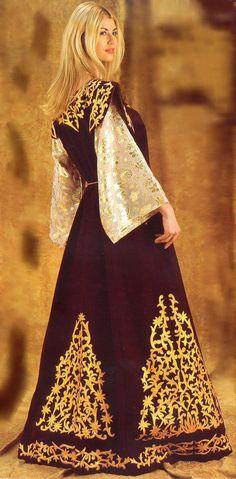 la-tenue-traditionnelle-algérienne-اللباس-التقليدي