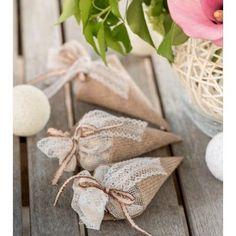 Cornet à dragées toile de jute naturelle les 4 Perfect Wedding, Our Wedding, First Communion, Online Art, Favors, Birthdays, Wraps, Presents, Gift Wrapping