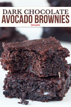 Our Dark Chocolate Avocado Brownies may sound a little unconventional but we promise you will love this healthy clean . like and comment Healthy Sweets, Healthy Dessert Recipes, Healthy Baking, Gourmet Recipes, Sweet Recipes, Delicious Desserts, Yummy Food, Protein Recipes, Tasty