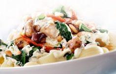 Pasta met kip, spinazie, champignons recept - Pasta - Eten Gerechten - Recepten Vandaag