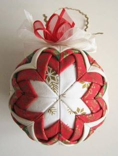 Like This? Then feel free to share!2.2k121280GORGEOUS QUILTED ORNAMENTS THAT AREN'T SEWN! If you are a true quilting fanatic, or even just a mediocre one (who ever heard of THAT, though!?!), then you likely will want to learn how to make the beautiful quilted Christmas ornaments we have featured here! Every quilter should have few …